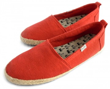 Pantai Travel Shoes Red