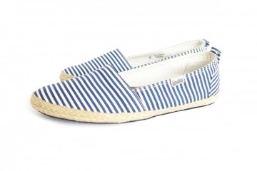 Pantai Travel Shoes Navy Stripe