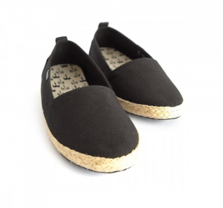 Pantai Travel Shoes Black